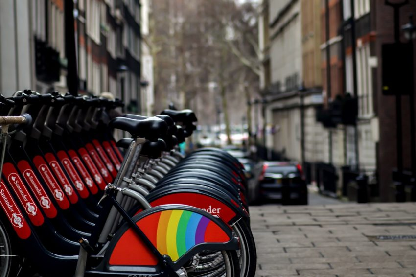 London Rent Bicycle Street  - Scott_Murdocks / Pixabay
